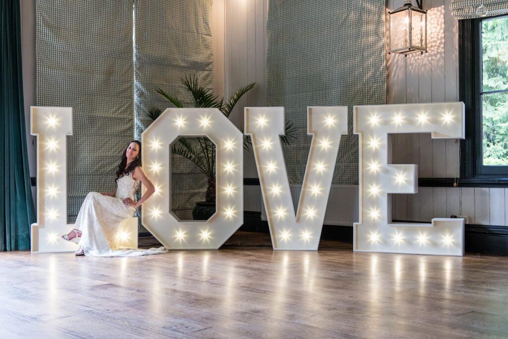 Для фотографий на свадьбу