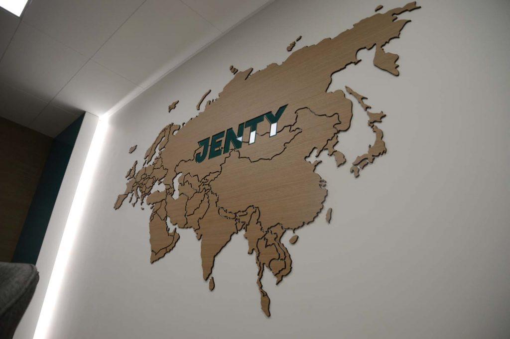 карта с лого