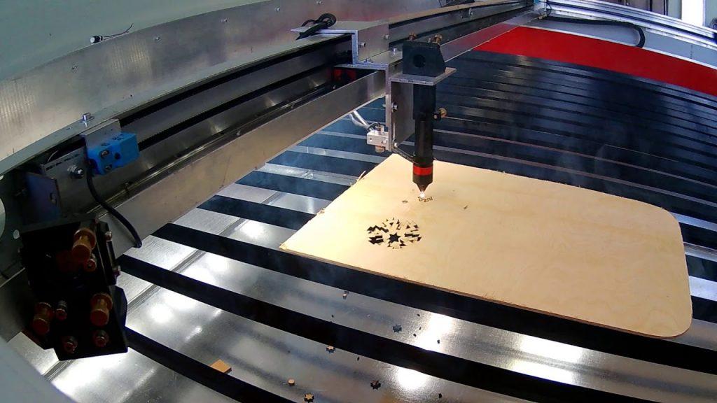 Станок для лазерной резки широкоформатный