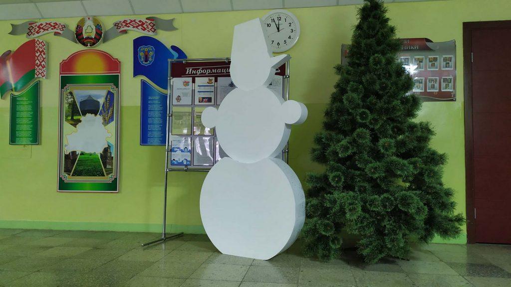 Снеговик в школу номер 203